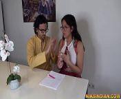 18 साल की फूल जैसी नाज़ुक छात्रा को हरामी टीचर ने बहला फुसला के चोद दिया from bangladeshi tan